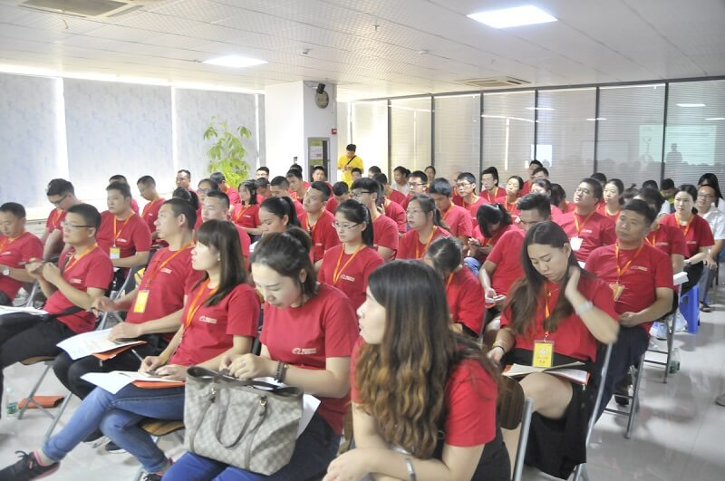 SMT行业精英到靖邦参观学习企业文化6