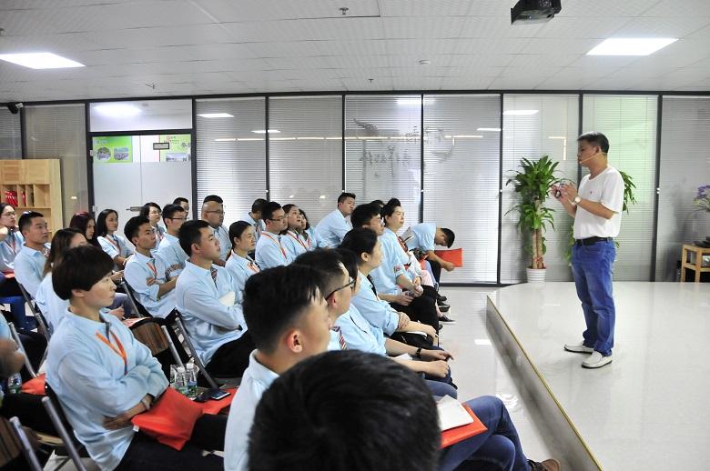 SMT行业精英到靖邦参观学习企业文化11