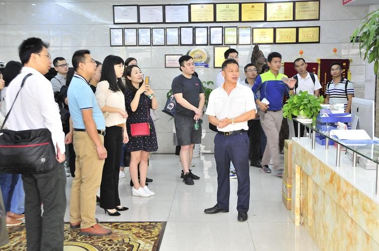 SMT行业精英到靖邦参观学习企业文化14